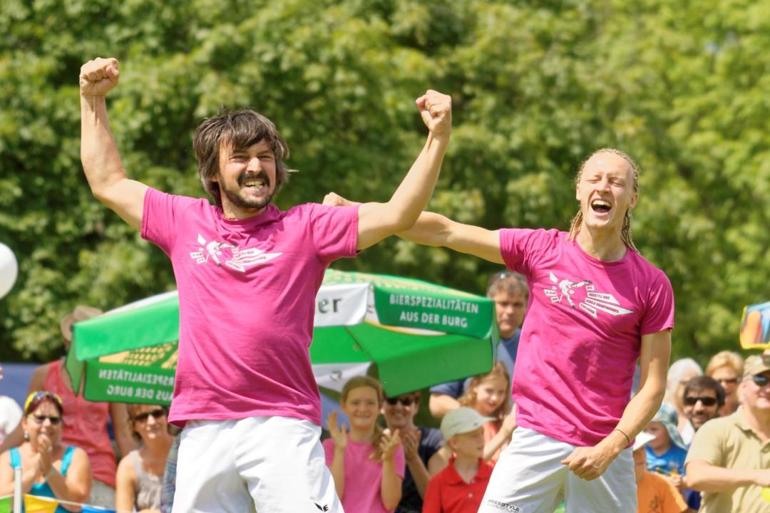 Florian Hess und Alex Leist jubeln ueber Vize Weltmeister Titel