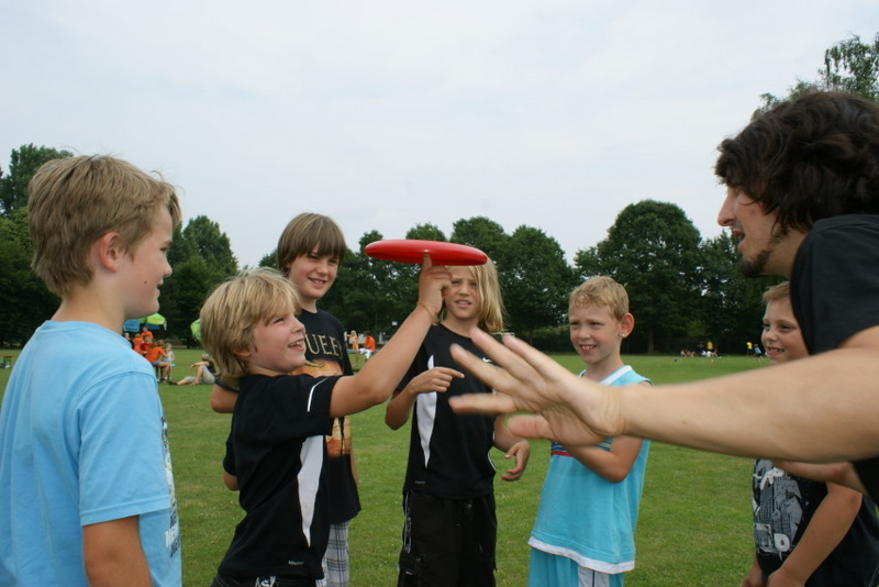 Frisbee Workshop mit Kids